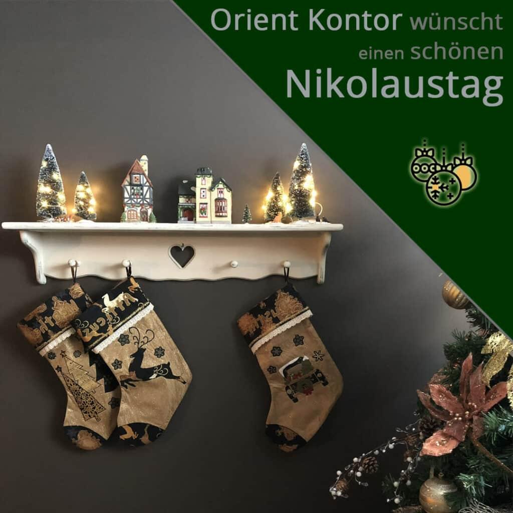 Orient Kontor wünscht euch einen schönen Nikolaustag! Socken am Brett hängend